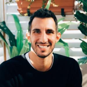 Profile photo of Umut Ahmet